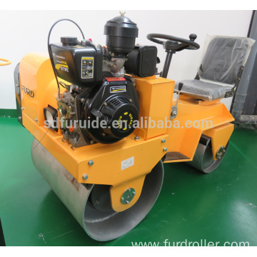 800kg Mini Ride On Tandem Vibrating Roller (FYL-850)