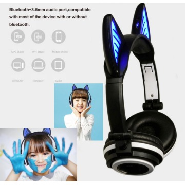 Factory Wholesale Glowing LED Light Blue tooth Headphone