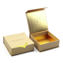 Luxury Custom  Magnetic Closure Gift Box Wholesale