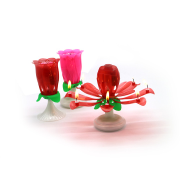 Roze / rode draaiende dubbele lagen Rose Musical Candle