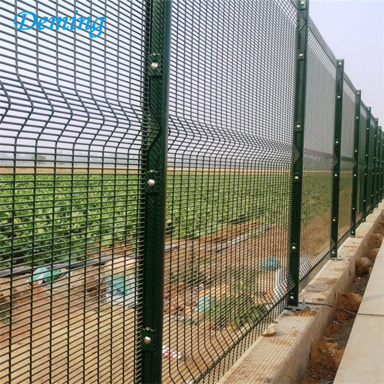 358-welded-wire-mesh-fence