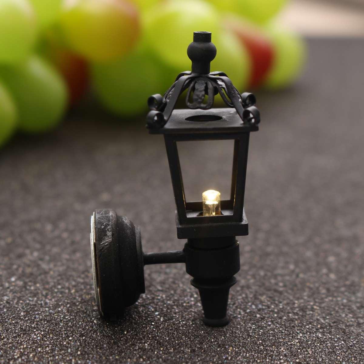 2pcs Miniatura Streetlight LED Electronic Toys Landscape For Doll House Accessories Simulation Miniature LED Wall Light Model