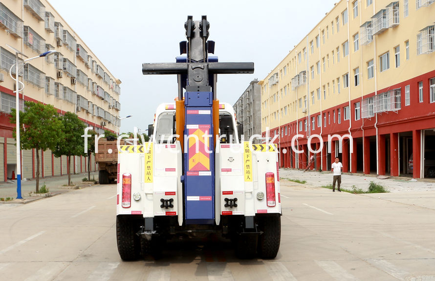 howo heavy duty towing truck 3