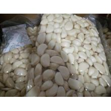 Chinese fresh white peeled garlic