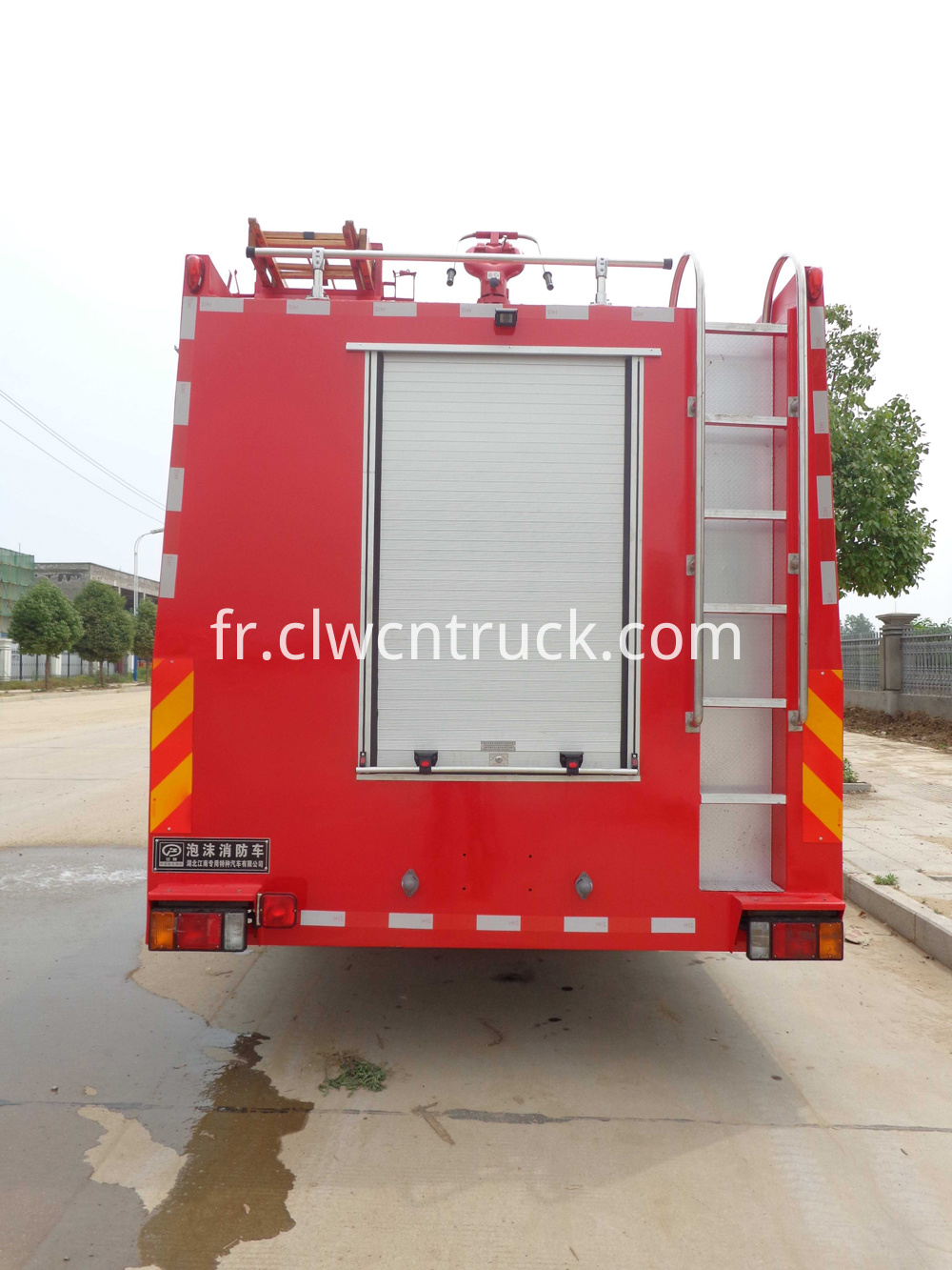 foam sprayer truck 3