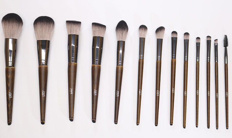 14 Solid wood Makeup Brush 3