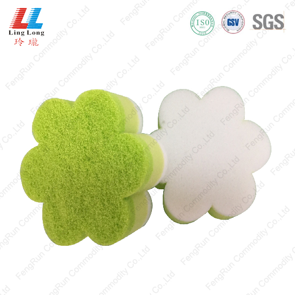 Flower shape scouring cleaning pad