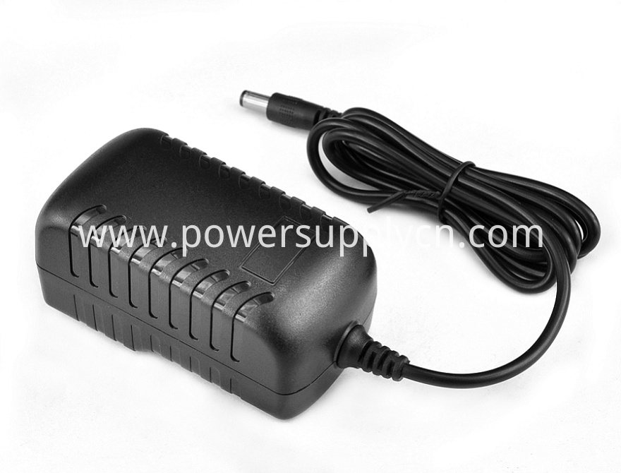 Interchangeable Type Wall Adapter AC 19V0.5A