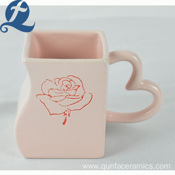 Custom household colorful ceramic heart shaped cup with lovers use