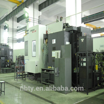 car handle making injection molding machine