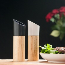 Wooden Salt and Pepper Mill Spice Nuts Mills Handheld Seasoning Grinder Bottle Cooking Home Decoration Kitchen BBQ Tools