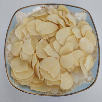 2020 new crop white color four or six petals dried garlic flakes