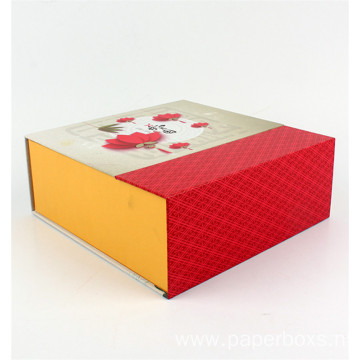 Custom Luxury Flat Pack Magnet Folding Paper Box