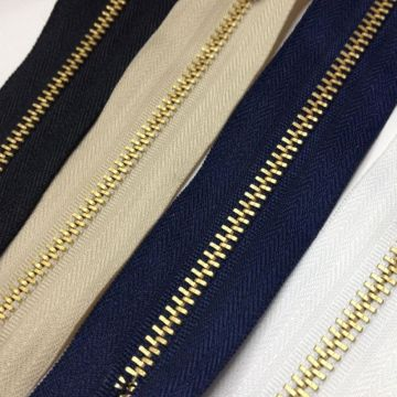 Discounts golden metal zippers for merchandise