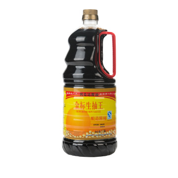 1.9L Plastic Bottle Golden Mark Light Soy Sauce
