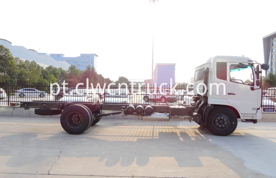 Heavy Duty Towers chassis 3