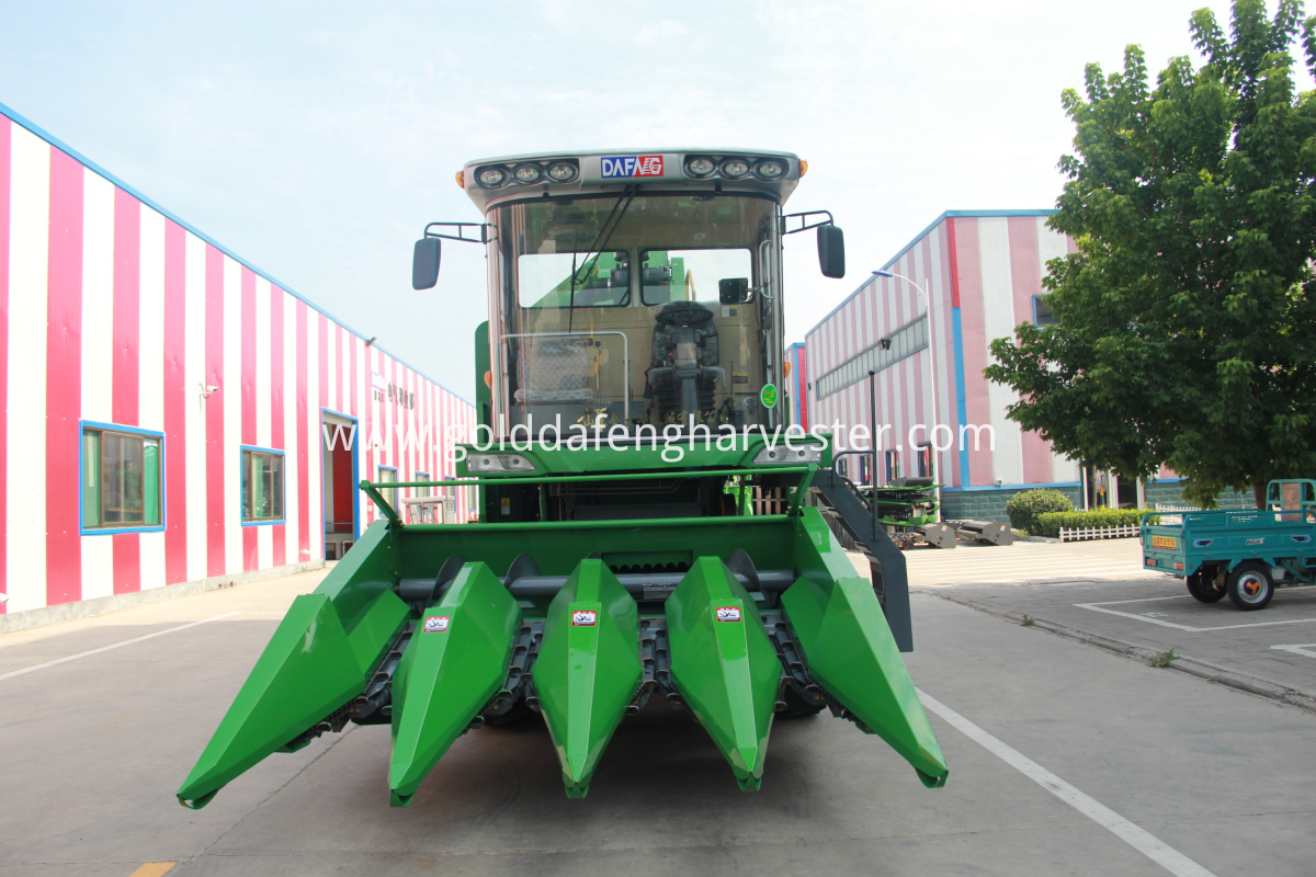 corn maize harvester