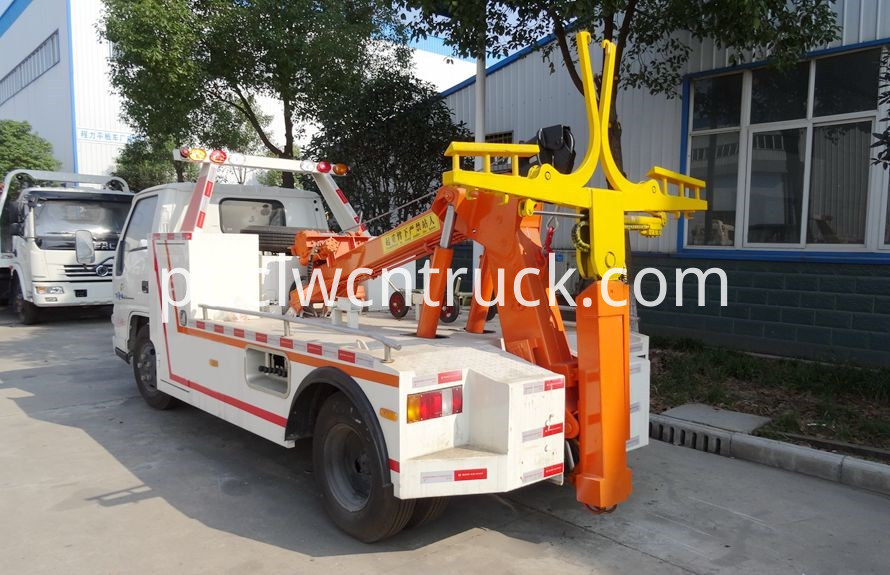 Medium Duty Towing truck 2