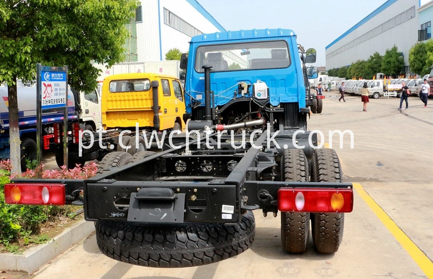 dongfeng water wagon chassis pictures 4