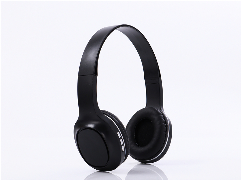 wireless stereo headphone with TF slot