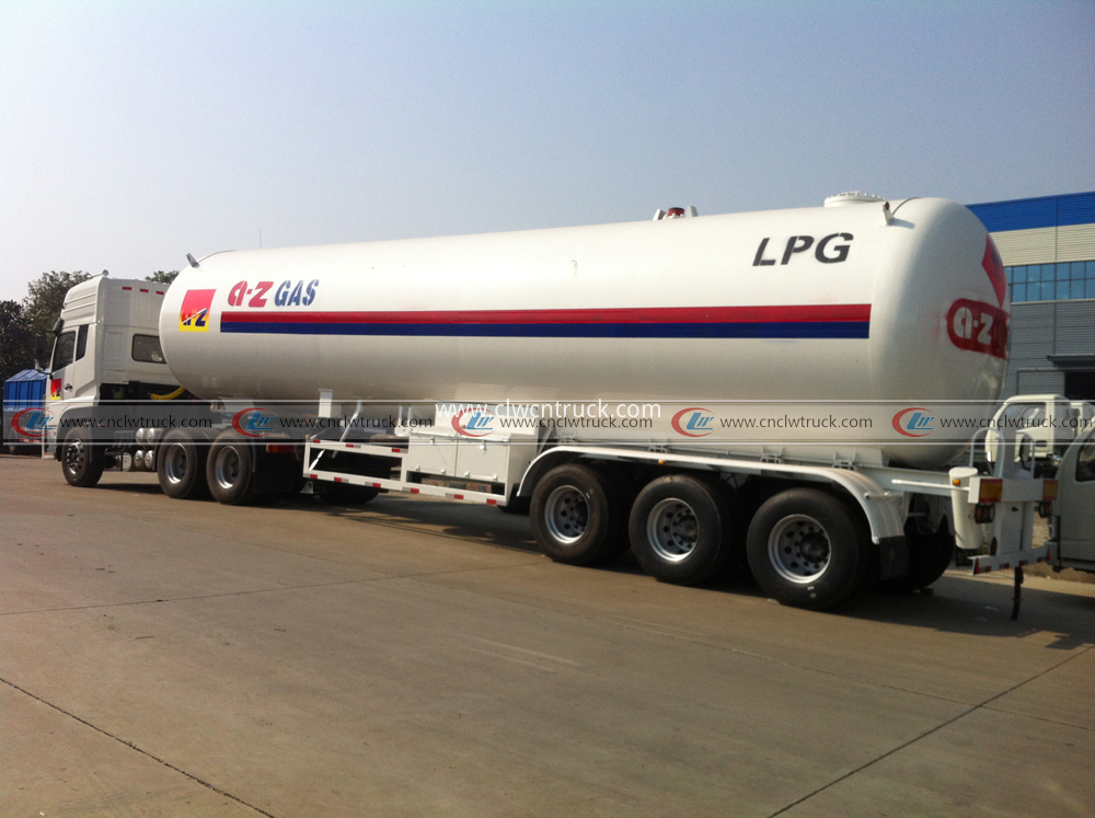 liquefied gas tanker