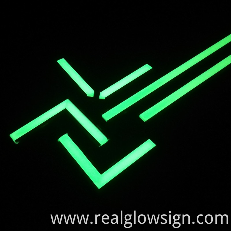 glow-in-the-dark-escape-route-line-corner