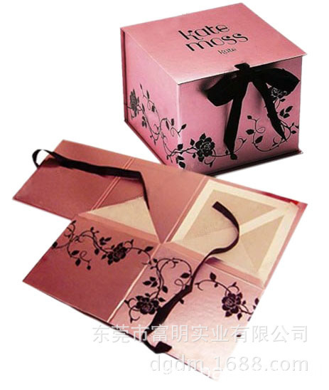 Custom Design Pink Collapsible Cardboard Box with Ribbon