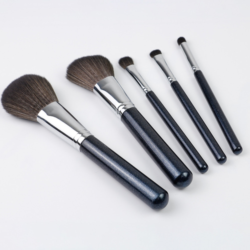 Shiny and Uniquely Designed Makeup Brush