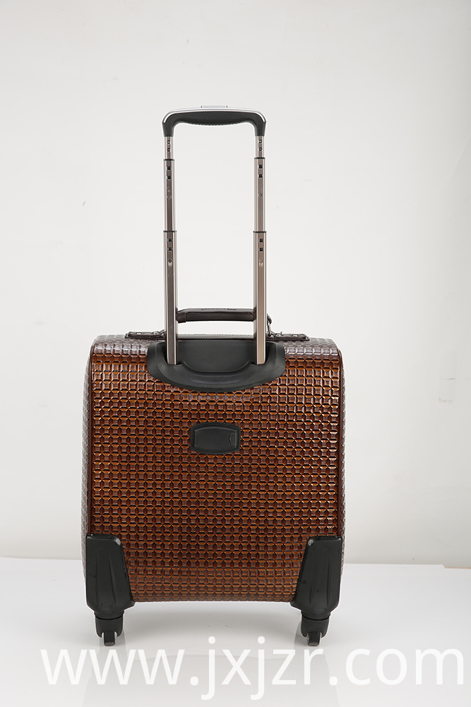 _International Carry-on Widebody Expandable Spinner
