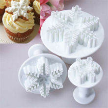 3Pcs Snowflake Cake Decorating Fondant Plunger Cutters Mold Mould Cookies Tools Kitchen Tools Cake Decorating Fondant Tool