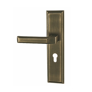 Zinc alloy door handle with keyhole