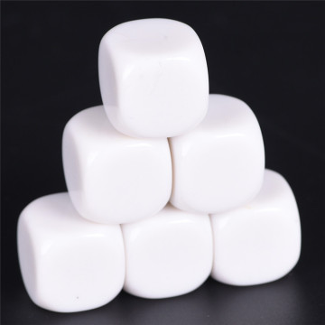 New Arrival 10PCS/Lot 16mm Gaming Dice Standard Six Sided Round Corner Die RPG For Birthday Parties Other Game Accessories White