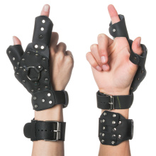 1 PC Fishing Bracers Archery Bow Protective Gloves Leather Durable Hand Slingshot Catapult Left/Right Hand Outdoor Shooting Spor