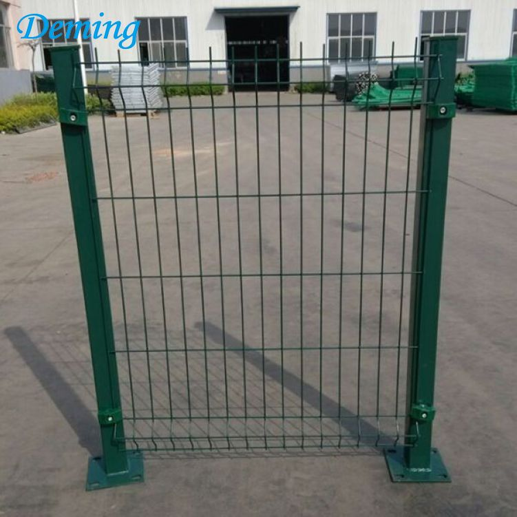 PVC Coated Wire Mesh Fence with Square Post