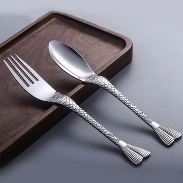 Stainless steel fish tail spoon and fork set
