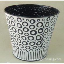 Color carved metal bucket