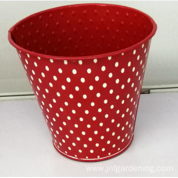 Red stamped three-dimensional flower bucket