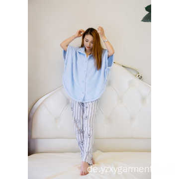 Skyblue-Flanell-Poncho mit Bottons
