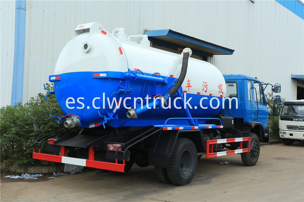 sewage suction truck 3