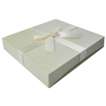 Luxury Cardboard Jewelry Gift Box With Silk Ribbon