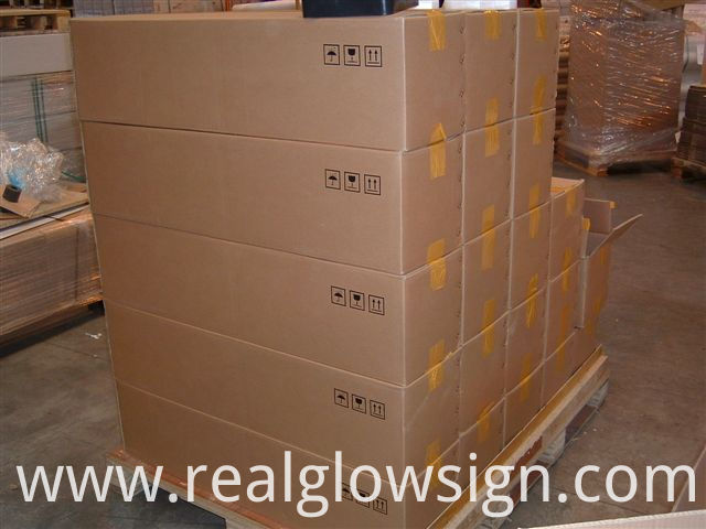 photoluminescent-tape-many-cartons-package