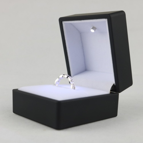 Black ring jewelry box with led light
