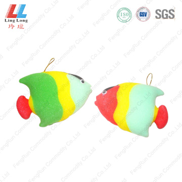 Lively fish style bath sponge