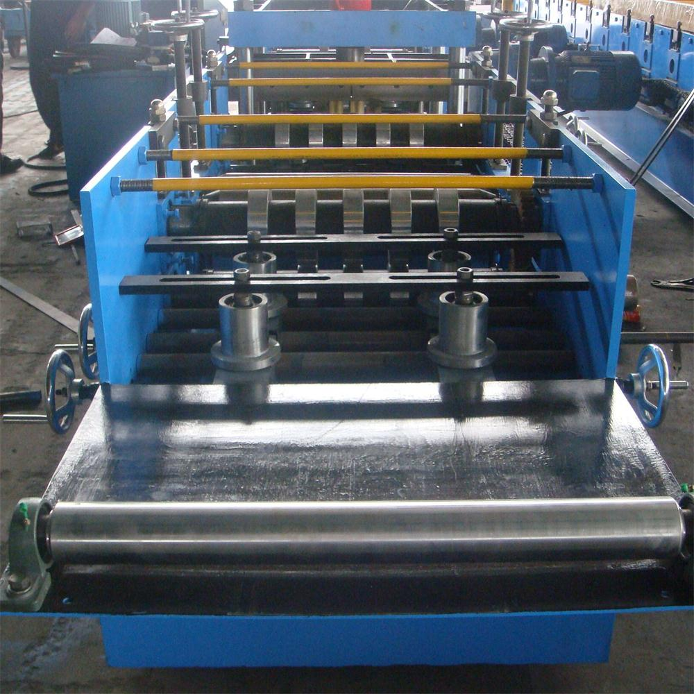 Semi-automatic c cold roll forming machine
