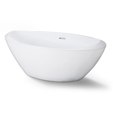 White large Freestanding Bath