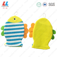 Conducive fish style animal bath gloves