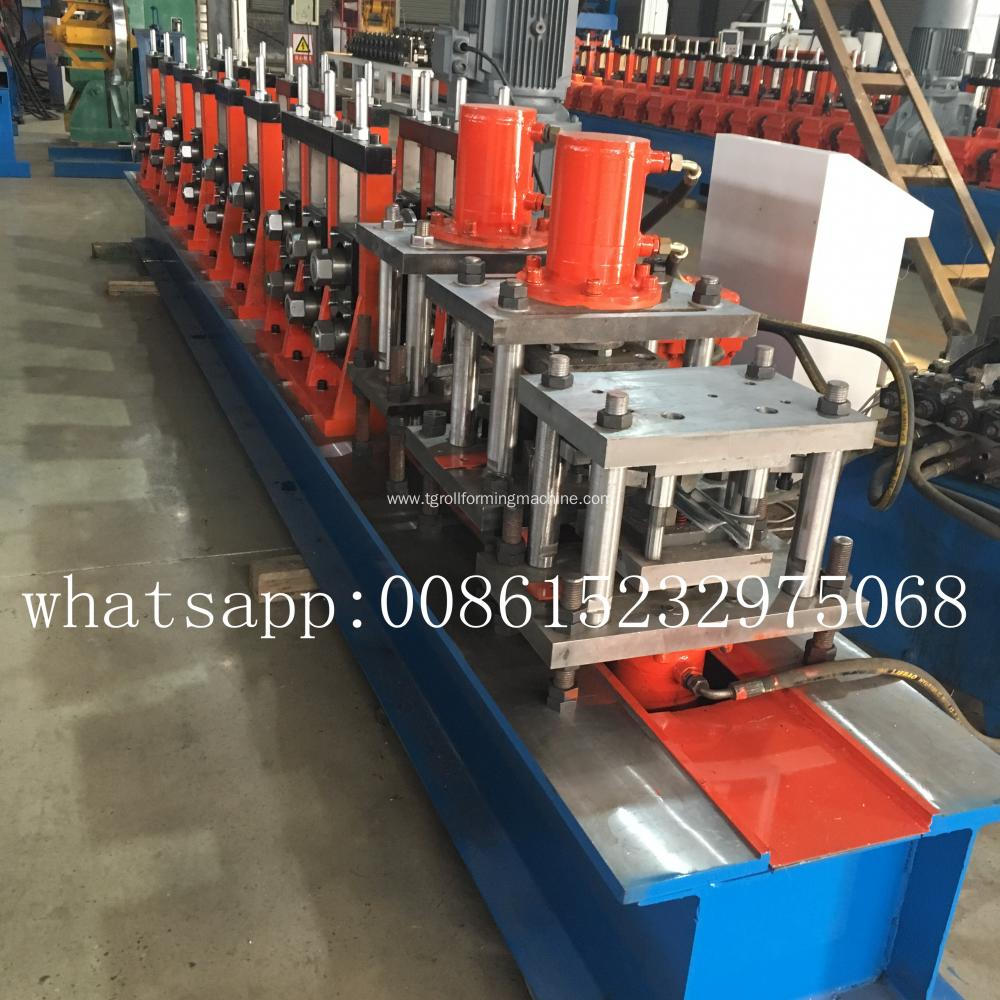 D and W Pale Palisade Fence stake machine