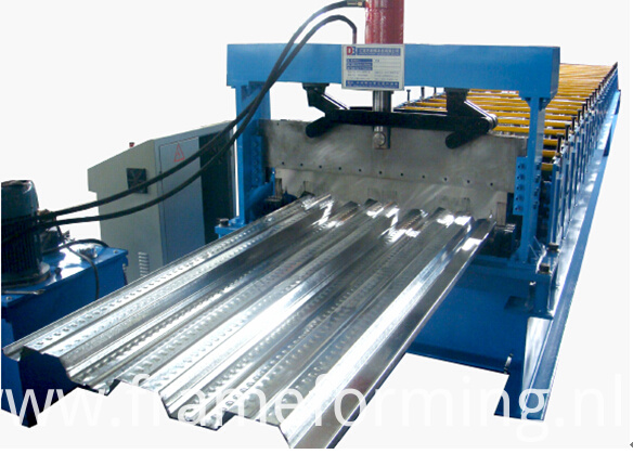 metal decking machine