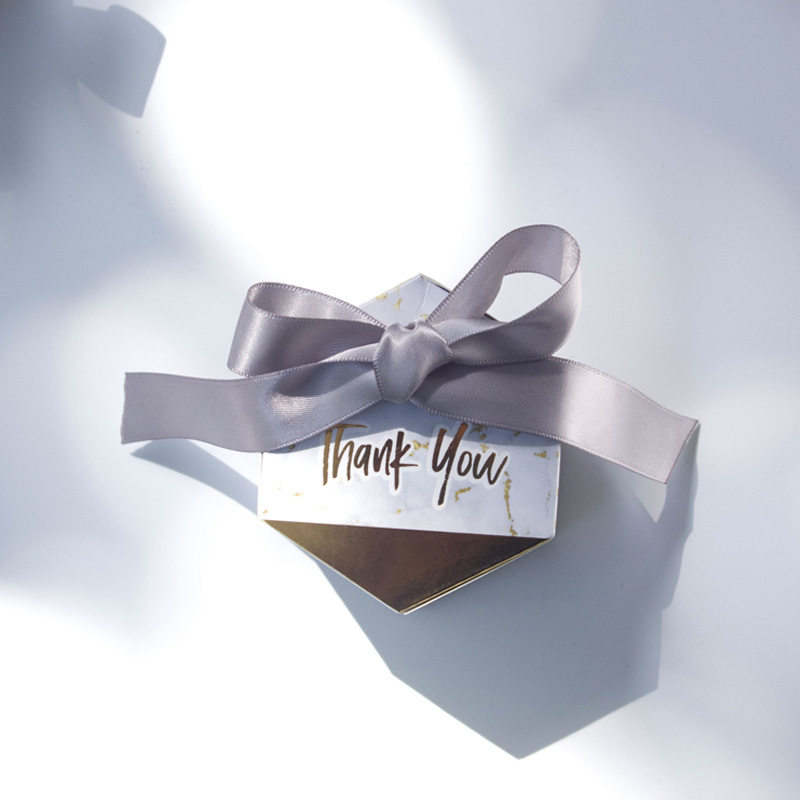 Diamond shape candy box wedding favors