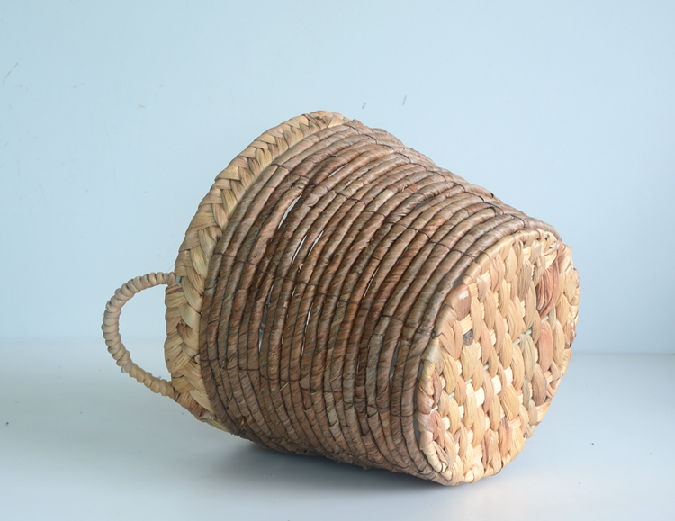 Round nature water hyacint and banana leaf flower basket-1